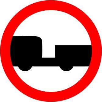 Naklejka B-7 zakaz wjazdu pojazdów silnikowych z przyczepą