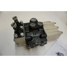 Rozdzielacz hydrauliczny R-80 3/1-44