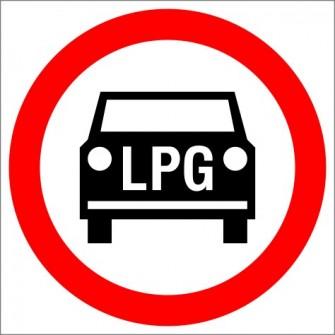B-3b Zakaz wjazdu pojazdów silnikowych napędzanych LPG