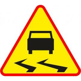 Naklejka znak ostrzegawczy A-15 Śliska droga