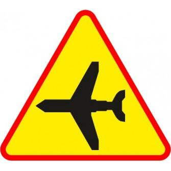 Naklejka znak ostrzegawczy A-26 Lotnisko