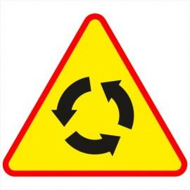 Znak drogowy A-8 Skrzyżowanie o ruchu okrężnym.