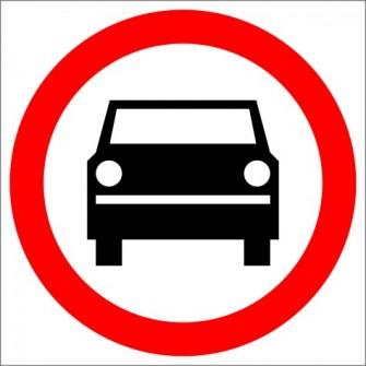 B-3 Zakaz wjazdu pojazdów silnikowych z wyjątkiem motocykli jednośladowych Znak drogowy B3